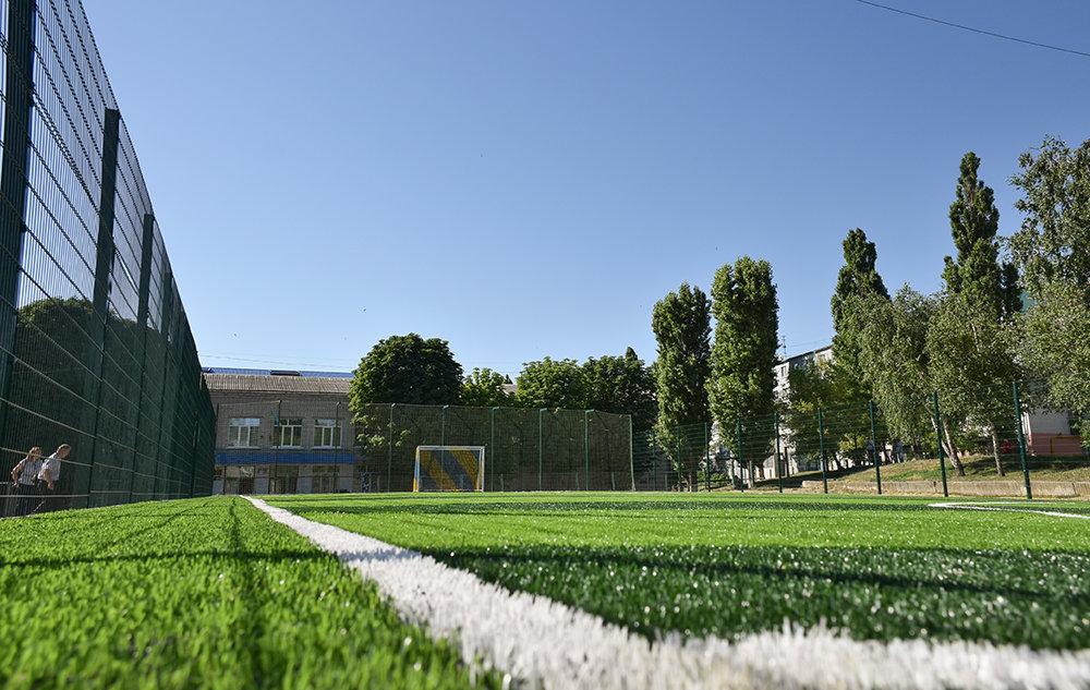 У місті Кропивницький на території НВО №16 відкрито нове міні-футбольне поле зі штучним покриттям (ФОТО), фото-3