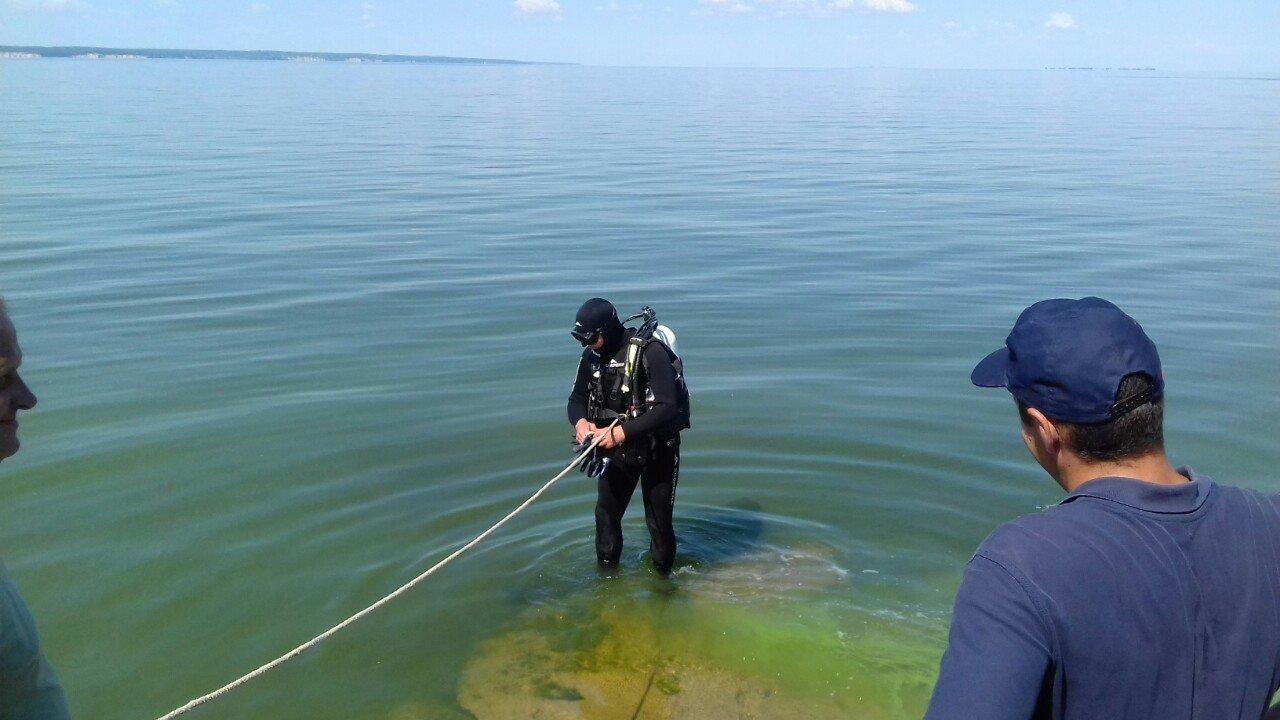 На Кіровоградщині дістали тіло рибалки з Кременчуцького водосховища (ФОТО), фото-1