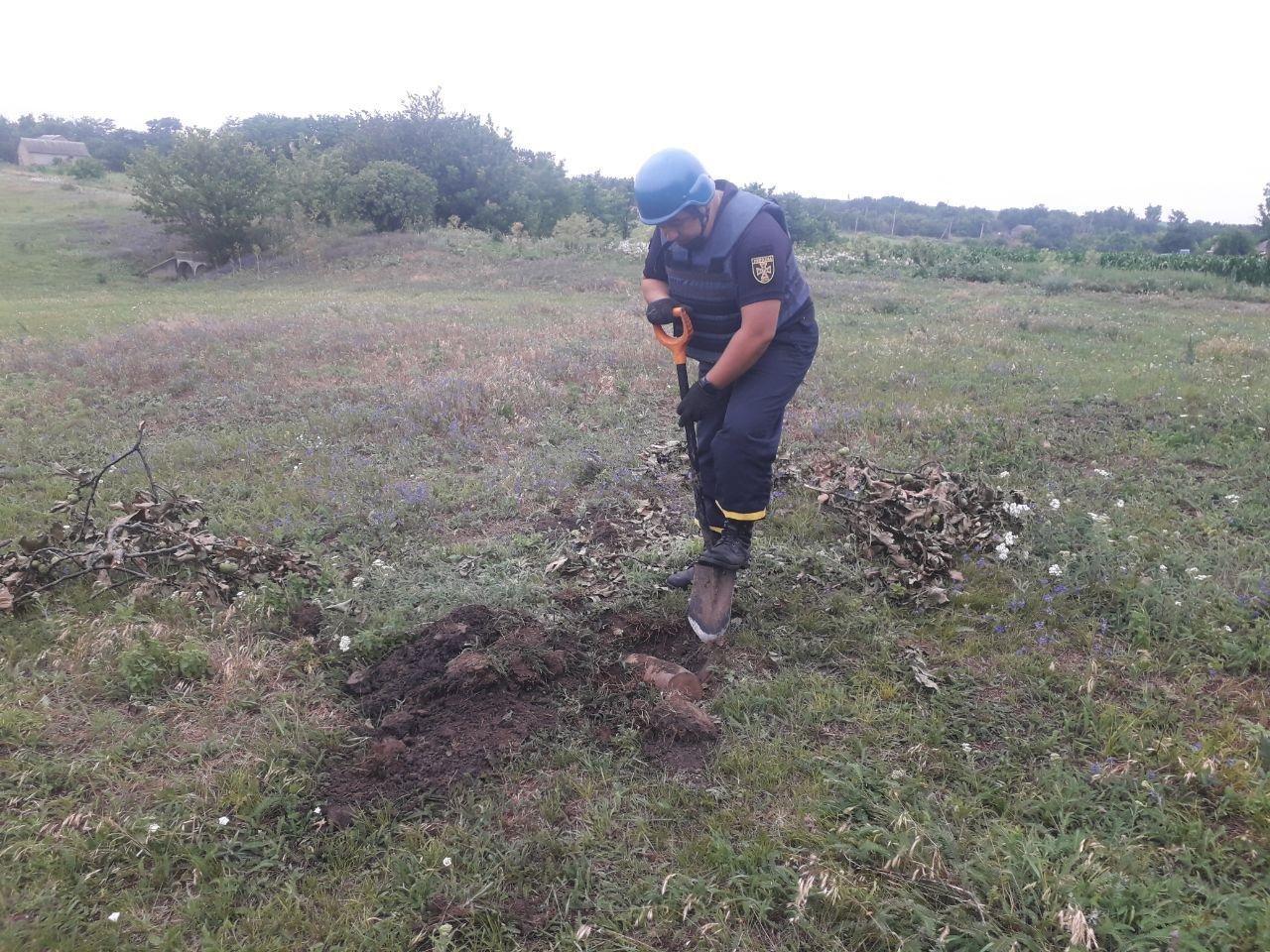 Кіровоградщина: сапери знищили дві міни часів Другої світової війни (ФОТО), фото-2